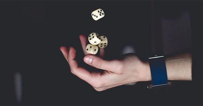 Hasartmängusõltuvus ehk kasiinosõltuvus on vastupandamatu tung mängida mistahes hasartmänge.